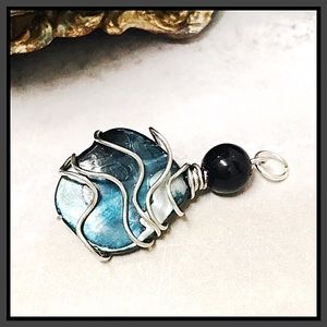 Fashion Jewelry Jewelry - BOGO💫Wrapped Mother of Pearl Pendant
